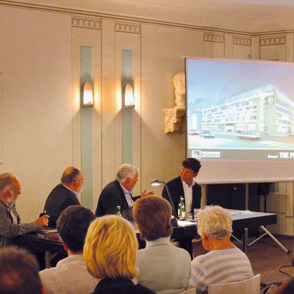 Streitgespräch Architektur am 3. September 2014 in der Richard-Wagner-Aula der Alten Nikolaischule zum geplanten Umbau der ehemaligen Hauptpost am Augustusplatz