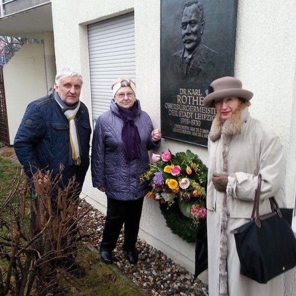 Dr. Karl Rothe-Ehrung an der Karl-Rothe-Straße 1